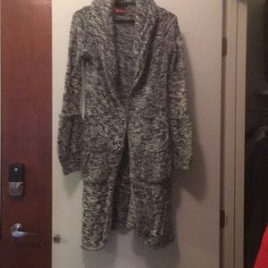 BCBGMAXAZRIA M black and white duster cardigan